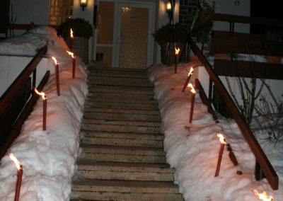 Eingang Basislager Fackeln Nacht